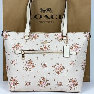 NWT Coach Gallery Tote Rose Bouquet